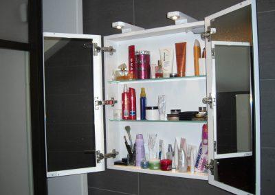 Toiletkast met spiegels