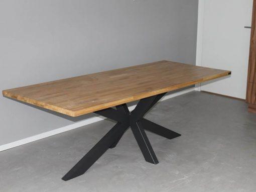 Massief eikenhouten tafel