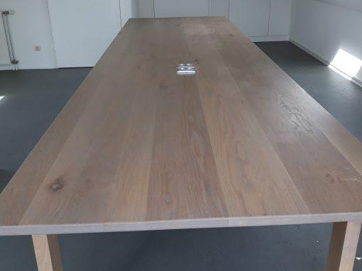 Grote zware eikenhouten tafel